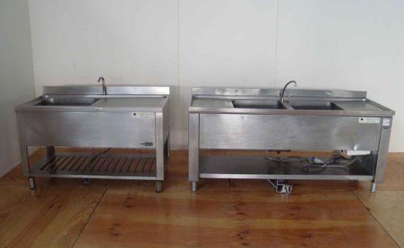 Lavelli ad una e due vasche. Dimensioni varie.